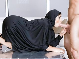 TeenPies - Muslim Teen Gets Creampied