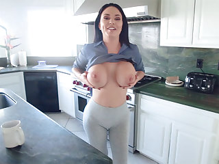 Jealous stepmom showed me how women suppose to fuck