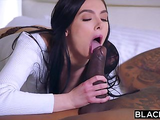 BLACKED She did not expect to be double penetrated by t...