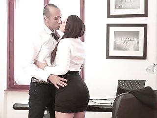 Hot Valentina introduced pussy and gets fucked the office desk