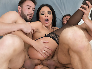 Black Haired Godess Taking Two Dicks in Her ass and Pussy