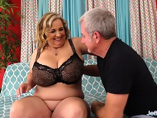 Mature Plumper with Natural Mega Milkers Cami Cooper Satisfies a Fetishist
