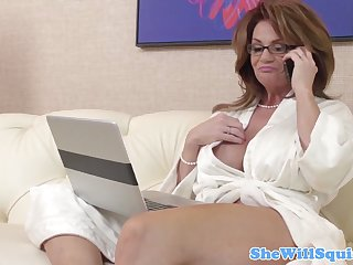 Classy squirting pornstar cougar Deauxma