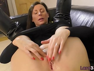 British milf shows off her huge tits