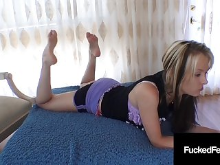 Cute Petite Hot Foot Jeanie Marie Sullivan Gives Great Oily Foot-Job!