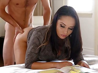 My brunette stepmom soothes my erection with her ass
