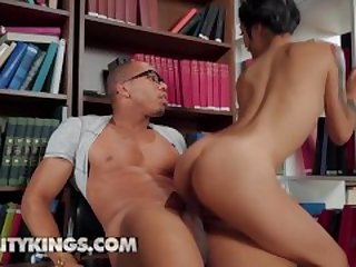 Reality Kings - Petite Asian Avery Black deepthroats bbc