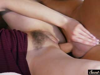 Pussylicked stepdaughter gets jizzed on