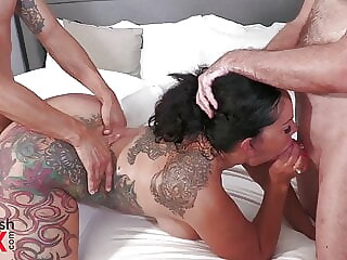 Strip Poker Game Becomes Ball Draining With Queen Rogue – Threesome