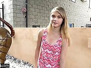 Petite teen Hannah Hays cheats on bf in public