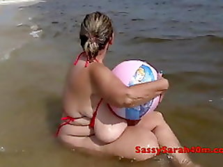 Jugged Babe On The Beach With Ball
