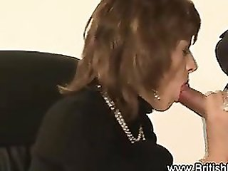 Leashed Lady Sonia gets cumshot
