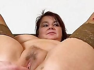 BBW mom Eva fat vagina spreading up close