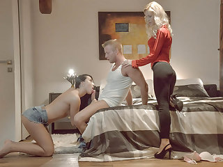 A hot threesome with Anna and stepmom when the boyfriend visits her