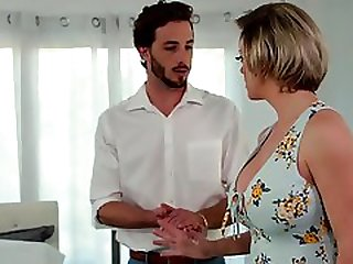Dee Williams Welcomes Her Son-in-law With A Warm Pussy