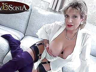 Your Aunt Sonia loves to help you jerk off your cock